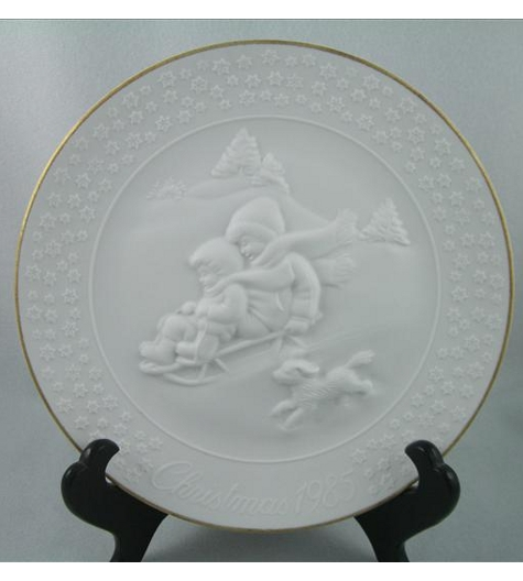 A Child's Christmas 1985 Plate