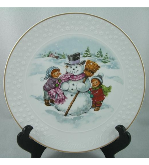 A Child's Christmas 1986 Plate
