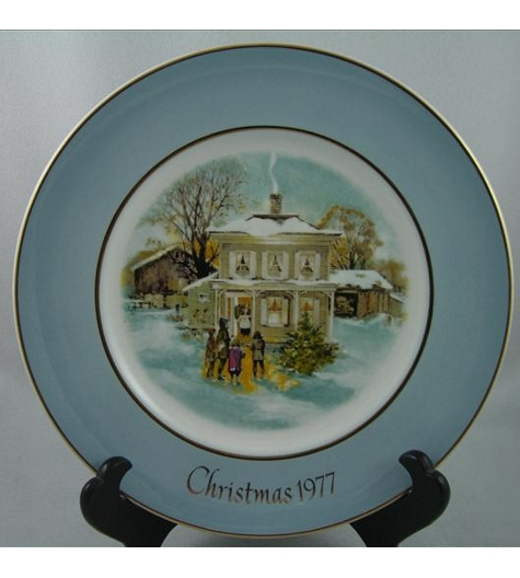 Carollers In The Snow Plate