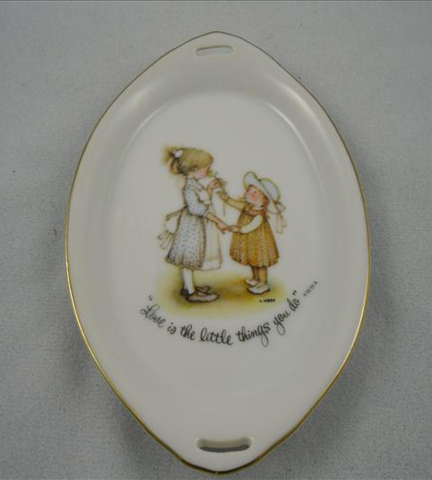 Love Is The Little Things You Do Oval Pin Dish