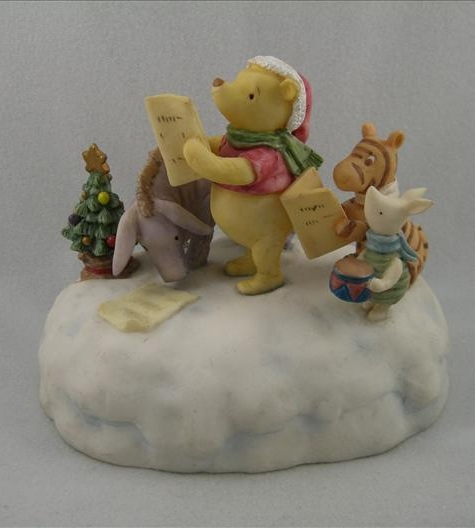 Pooh & Friends Christmas Caroling Musical