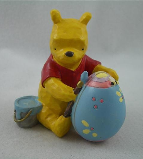 Pooh Painting Egg Hinged Figurine