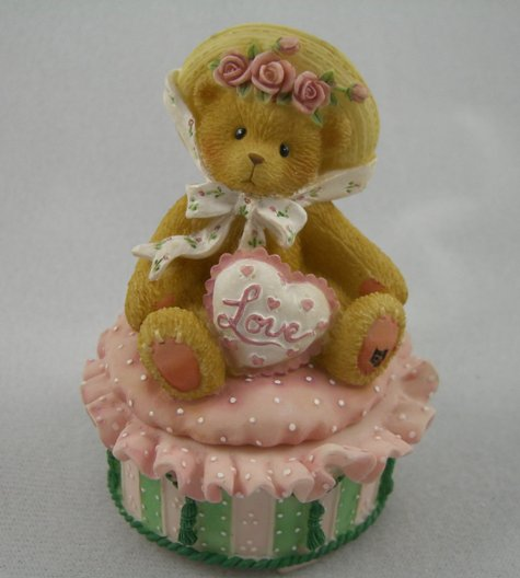 Victorian Teddie With Heart: Covered Box